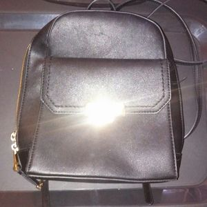 Aldo black backpack type purse in vguc